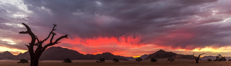 Tramonto nel deserto della Namibia