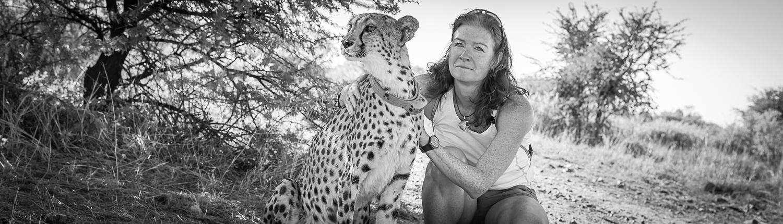 Catherina Unger con un ghepardo