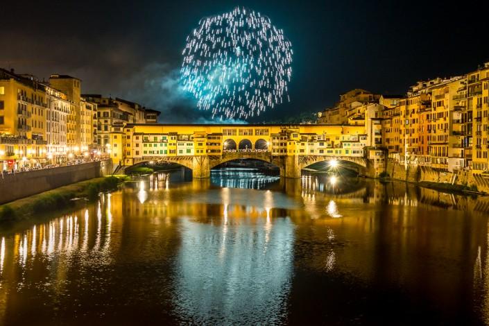 Fuochi artificiali sul ponte vecchio - Firenze