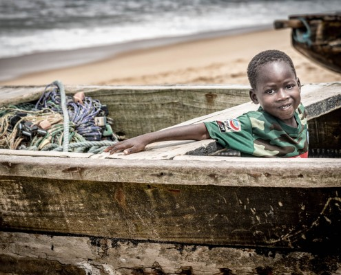 Bambino nel villaggio dei pescatori a Grand Popo in Benin