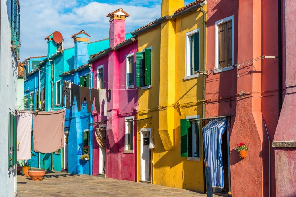 facciate colorate di Burano
