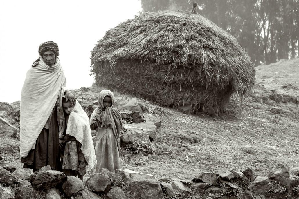 foto in bianco e nero,Un villaggio negli altipiani in Etiopia
