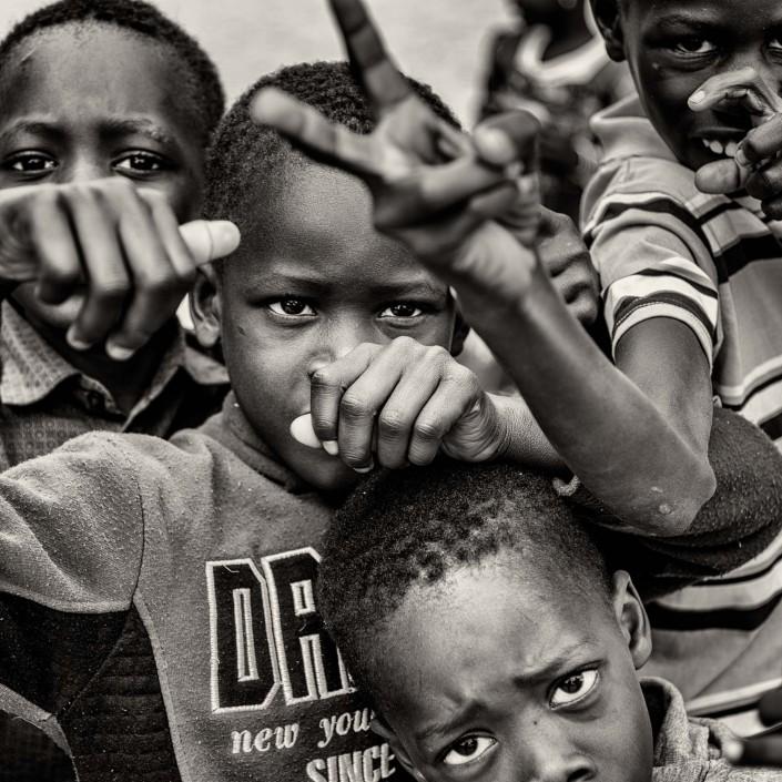 Senegal kinder schwarz weiss