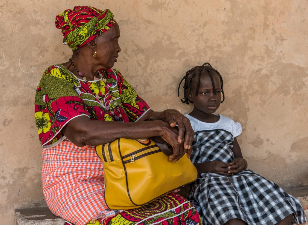 Frau mit Kind in Guinea Bissau