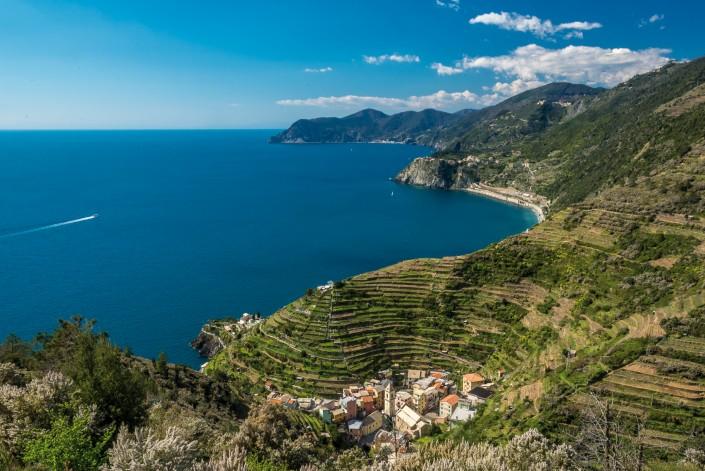 scenic view cinque terre manarola